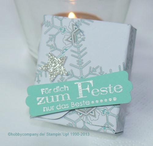 weihnachtliche Box mit dem Falzbrett für Briefumschläge gemacht
