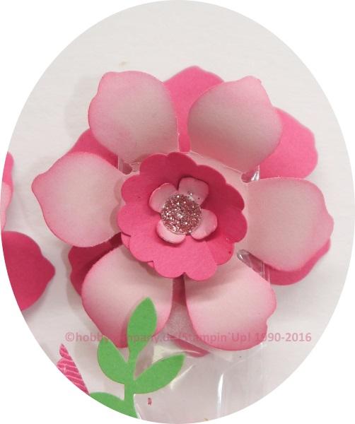 Blume mit der Stanze Zierblüte
