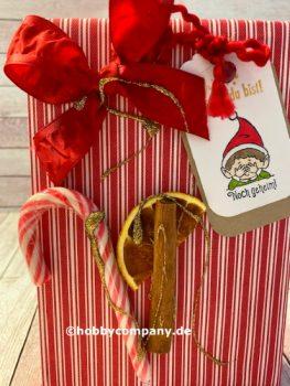 Weihnachtliche Verpackung mit einer BOx